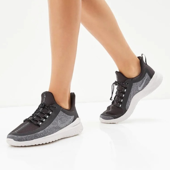 Nike Womens Renew Rival Running Shoes